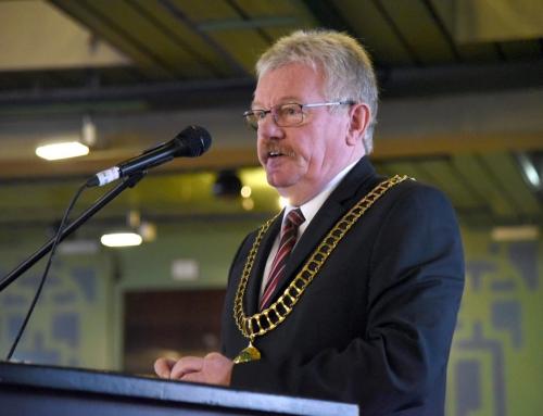 Bürgermeister Peter Nebelo wünscht Bürgerstiftung viel Erfolg